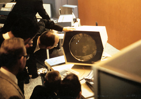 Players playing andwatching Spacewar!, Competition.